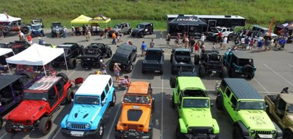 Great Smoky Mountain Jeep Invasion Big Cabins By Vacasa